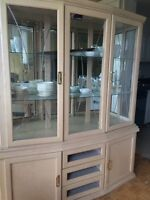 Dining cabinet / salle armoire