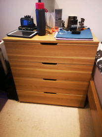 Perfect condition chest of drawers