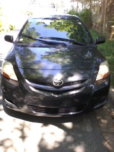 2008 Toyota yaris. Low KM (FAINANCING AVAILABLE )