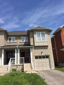Semi-detached house for rent in Newmarket