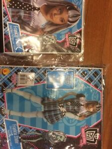 Frankie Stein Monster High costume and wig set $25