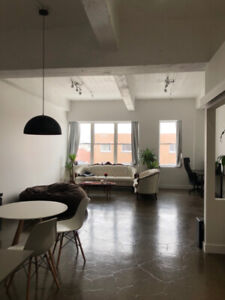 URGENT Huge Mile-End Loft with a Closed Bedroom, *Lease Transfer