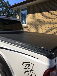 Tonneau Cover for 2008-2016 Ford Superduty Pickup Truck