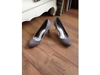 Roland Cartier silver shoes size 4