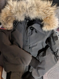 good condition women Canada Goose bomber down jacket