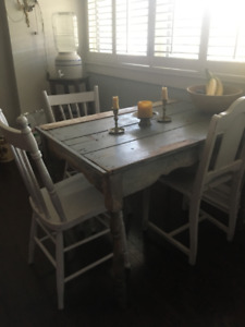 1920s Antique Harvest Table with character