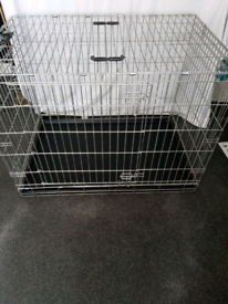 Metal Dog Cage extra large 42 Inches long bt 28 inch wide bt 31 inch d