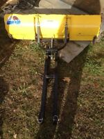 5 foot moose plow comes with bracket