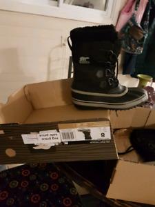 New mens size 8 sorel boots