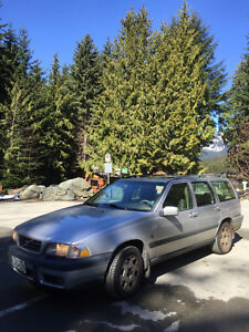 2000 Volvo XC (Cross Country) Wagon