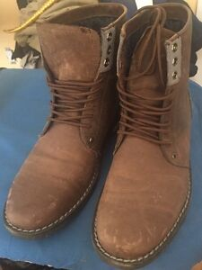 Penguin Boots - Men - Size 9
