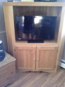 NS Handmade TV corner cabinet with two shelves on the bottom