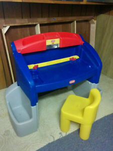 LITTLE TIKES DESK/STEP 2 WAGON/FISHER PRICE TABLE
