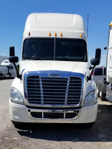 2013 Freightliner Cascadia, Automatic