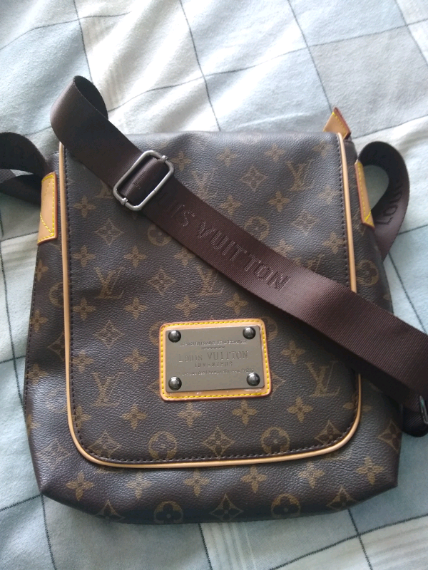 LV messenger bag great condition | in Sandy, Bedfordshire | Gumtree
