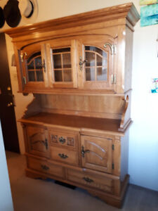 Antique china hutch in excellent condition