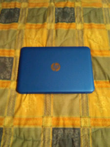 LIKE NEW HP Stream Laptop (TOUCH SCREEN)
