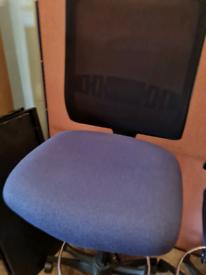 Boss draughts man chairs