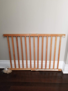 Baby Gate Extra Wide 42""
