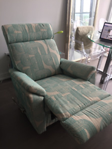 Retro style like brand new recliners! (2)