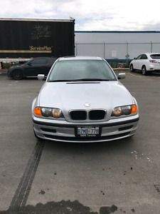 Great condition with safety 2001 BMW 320i