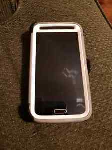 Rooted samsung S5 with defender otterbox and belt clip  $300obo