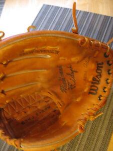 "1970's Wilson A2264 Mark ""The Bird"" Fidrych Model Baseball Glove"