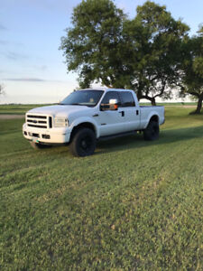 Safetied 2005 6.0L F350 Lariat Powerstroke.