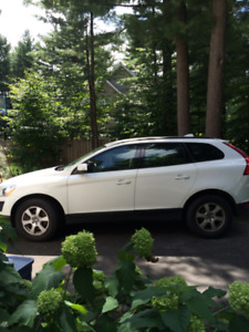 Beautiful 2012 White Volvo XC60, AWD-$15,500