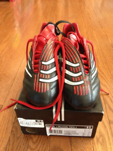 Brand New! ADIDAS Soccer shoes for sale. Size 4.5/unisex
