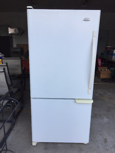 Matching Fridge & stove, microwave and dishwasher for sale