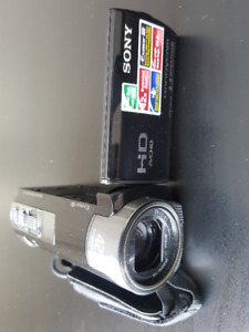 Sony HDR CX130 Camcorder