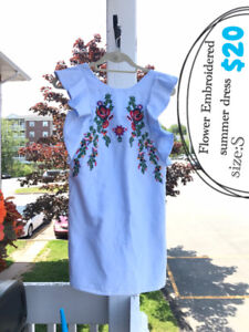 【Moving Sale】Flower Embroidered Dress!