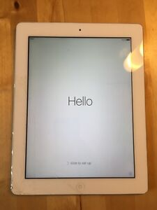Ipad 2 32 Gb - works good with cracked screen