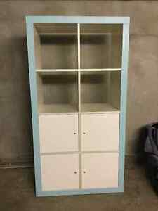 Armoire style Ikea blanche et turquoise