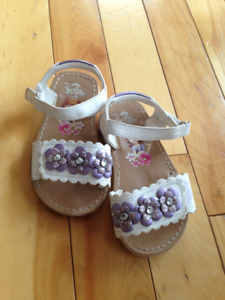 toddler girl sandals - size 6.5 - LIKE NEW