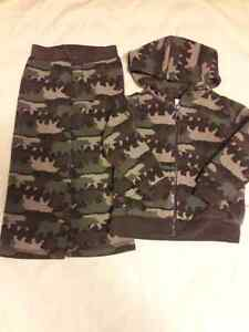 CLOTHES FOR 18-24MTHS GOOD CONDITION Kitchener / Waterloo Kitchener Area image 2