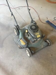 Yardworks  Courage XT - 149ccGas Lawn Mower, 21-in