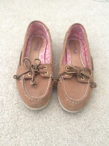 Sperry Boat Shoes (Size 6)
