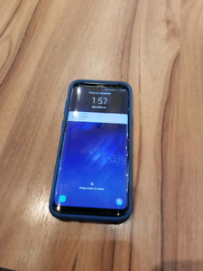 Samsung galaxy S8+ unlocked with tons of accessories