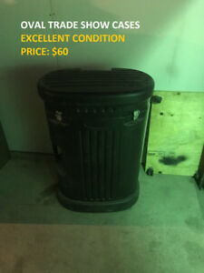 Oval Trade Show Cases, Excellent Condition, Cheap Price!