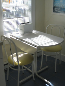 Kitchen Table with Two Folding Sides With Chairs
