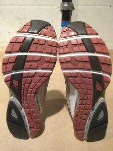 Women's New Balance Abzorb Energy 1200 Running Shoes Size 11 London Ontario image 3