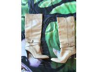 Karen Millen size 3 boots