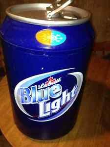 Labatt Blue Beer Can shaped Portable Fridge/heat Model XHC 11 DC