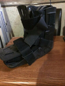 Medical Ankle Boot with Air Pump Cambridge Kitchener Area image 3