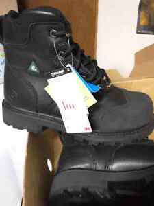 Brand new man size 8.5 steel toe work boots