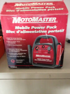 MOTOMASTER MOBILE POWER PACK 12 V CAR BOOSTER IN BOX