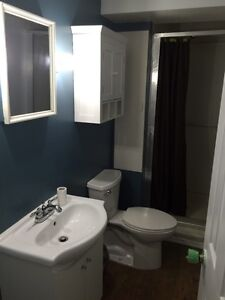 2 bedroom next to Fleming college students all inclusive