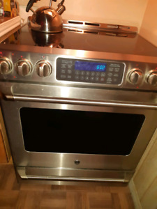 GE Electric Stainless Steel Glasstop Convection Range